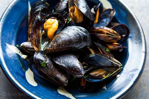 moules cuisine mussels in white wine sauce moules mariniere