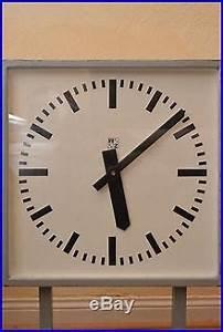 Grande Horloge Industrielle : double horloges pendules ~ Teatrodelosmanantiales.com Idées de Décoration
