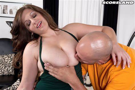 Pigtailed Jessica Roberts With Massive