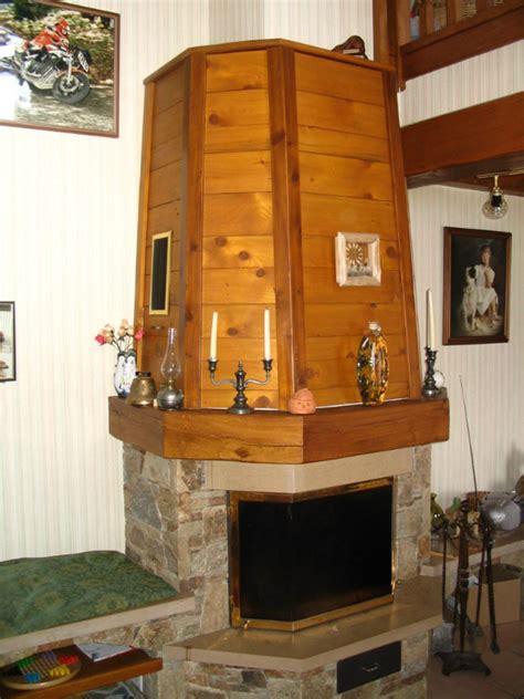 cuisine porte coulissante hotte de cheminée atragale ebenisterie