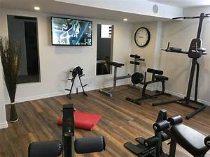 Fitnessstudio Zu Hause : new flooring added a couple of hours to install a beautiful laminate flooring home gym ~ Avissmed.com Haus und Dekorationen