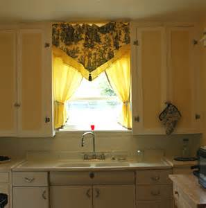 pictures of kitchen window valances