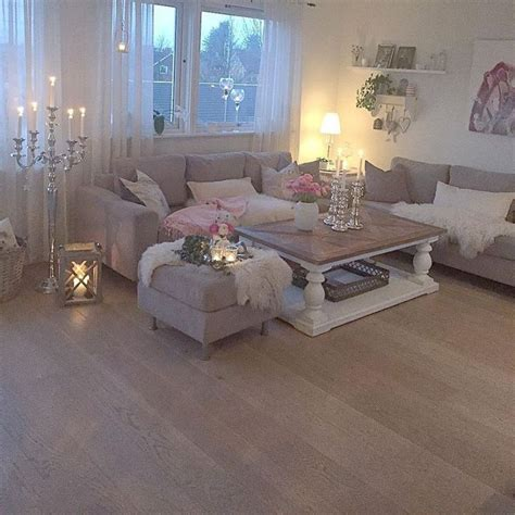 Decorating Ideas For Living Rooms Shabby Chic by Best 25 Shabby Chic Farmhouse Ideas On Shabby
