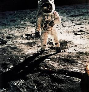 Neil Armstrong Buzz Aldrin On the Moon and a Picture Real ...