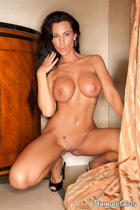 Laura Model Nude Xxgasm