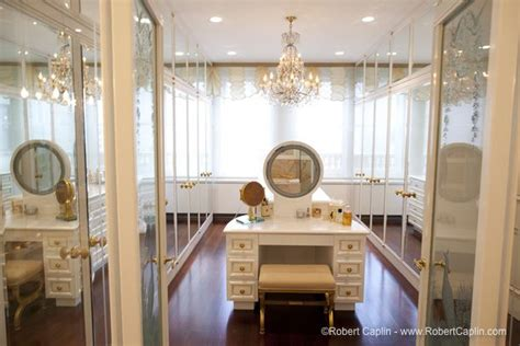 walk in closet with vanity a can