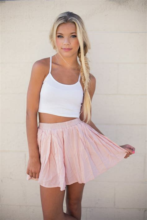 How To Wear Pink Skirts 2019