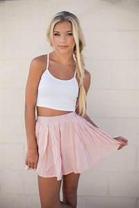 How To Wear Pink Skirts 2018   FashionGum.com