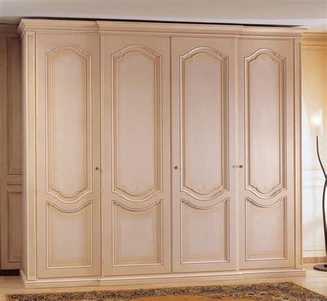 armadio classico armadio in legno decorato a 4 ante per da letto