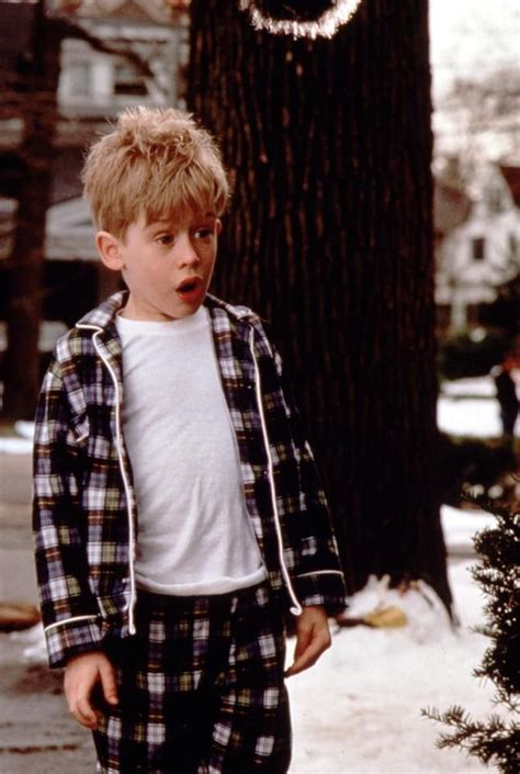 28 Best Images About Macaulay Culkin On Pinterest  Home Alone, Watch Home Alone And Home Alone 1990
