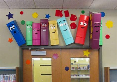 Minimalistische Einrichtung Des Kinderzimmersminimalistisches Kinderbett Fuer Kleine Kinder by Kinderzimmer Gestaltung Grelle Farbt 246 Ne Clever Einsetzen