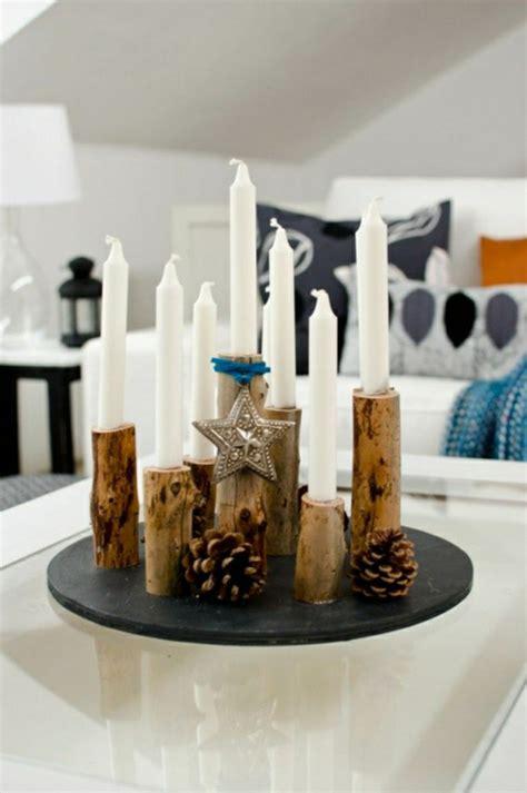 Wohnideen Aus Holz by Naturnahe Weihnachtsdeko Mit Einem Adventskranz Aus Holz
