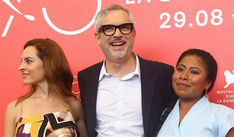 'roma' Hailed As Alfonso Cuarón's 'masterpiece' In Rave