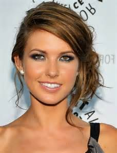 comment se coiffer pour un mariage 10 coiffures pour adopter un look de beaute mode tendances