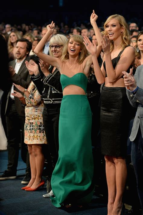 taylor swifts emotions   american  awards