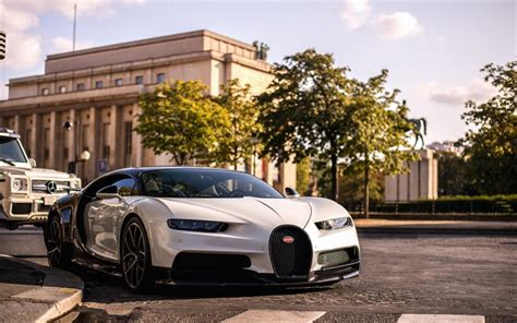 Back then, the mere notion of a world war didn't exist, construction of the titanic was just about to get started, and molsheim, the french city that bugatti calls home, was still part of germany. Télécharger fonds d'écran Bugatti Chiron, 2018, 4k, de luxe hypercar, blanc noir Chiron, à l ...