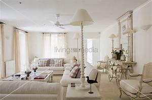 Sofa Amerikanischer Stil : landhausstil wohnzimmer ~ Markanthonyermac.com Haus und Dekorationen
