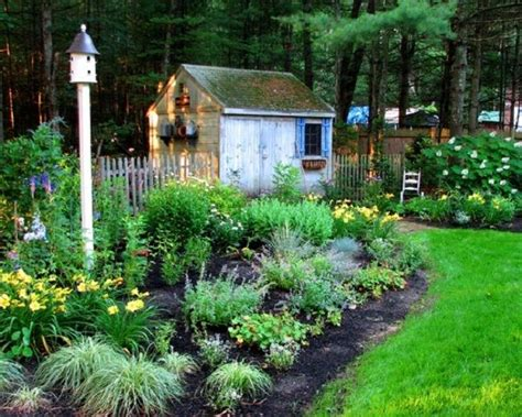 Cottage Style Backyards by Minimalist Patio Cottage Garden Decorating How To Create