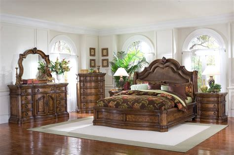 Pulaski Furniture San Mateo 4pc Sleigh Bedroom Set Usa