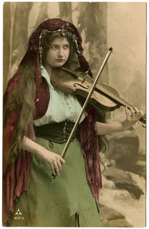 vintage image lovely gypsy  violin  graphics fairy