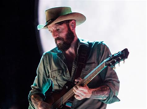 ray lamontagne cancels university  texas show  gun