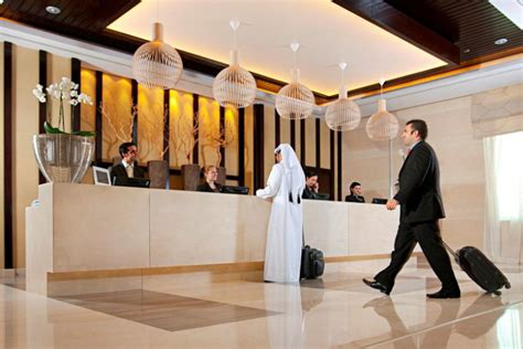 hotel front desk industry expert your front desk team is key to meeting