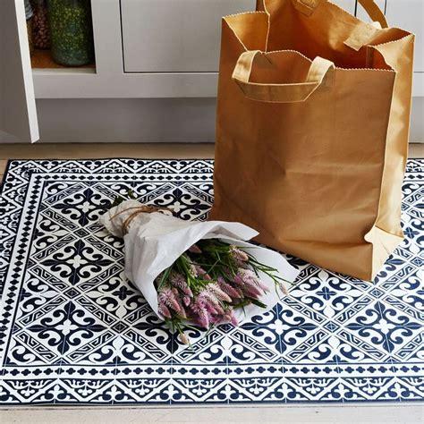 vinyl kitchen floor mats 25 best ideas about kitchen mat on farm 6898