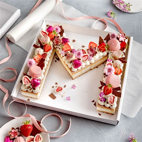 Kuchen Idee by Letter Cake Mit K 228 Se Sahne Mandarine Basis Selber Verzieren