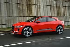 Jaguar I Pace : 2019 jaguar i pace drifts on frozen lake in the hands of pro driver autoevolution ~ Medecine-chirurgie-esthetiques.com Avis de Voitures