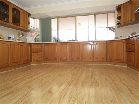 kitchen wood laminate flooring best laminate wood flooring for kitchens 6570
