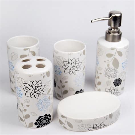 flowers design ceramic bath accessory set