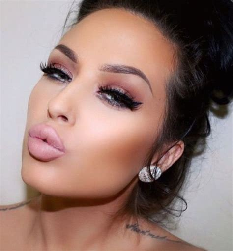 make up akne perefction chloeheppell make up inspiration make up augen make up und akne narben