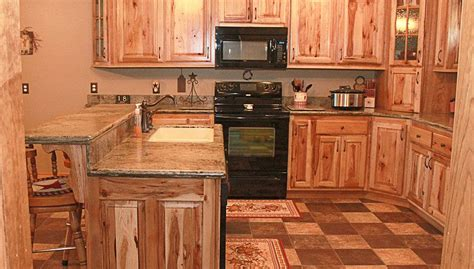 knotty oak kitchen cabinets knotty hickory kitchen cabinets oak knotty alder 6673