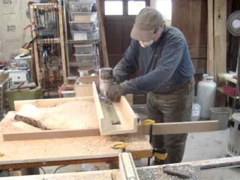 router  jig  flatten  walnut slab table top
