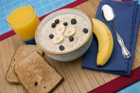 foods diet diarrhea oatmeal food stomach help eat lining cholesterol lower brat beans breakfast livestrong fiber getty meal breads lentils