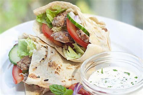 Easy Gyro Recipe: A Classic Greek Sandwich