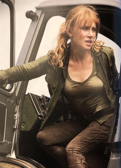 actress in the film jurassic world bryce dallas howard jurassic world fallen kingdom stills