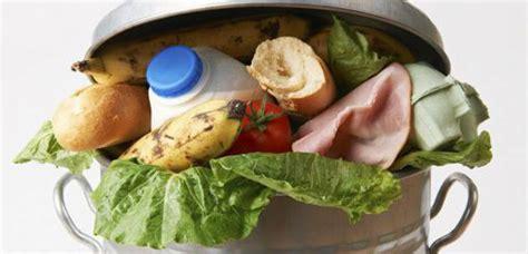 grande poubelle cuisine nos poubelles sont remplies de choses bonnes à manger
