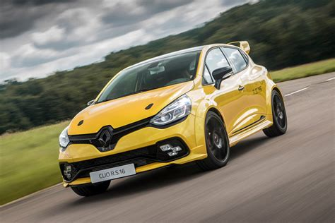 Review Renault Clio R S by Renault Clio Renaultsport R S 16 2016 Review Auto Express