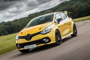 Auto 16 : renault clio renaultsport r s 16 2016 review auto express ~ Gottalentnigeria.com Avis de Voitures
