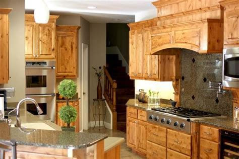 Knotty Alder Custom Cabinets   Traditional   Kitchen