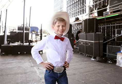Walmart Yodel Boy Goes On Ellen For Interview On Opry
