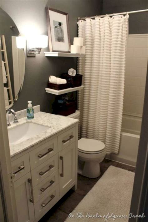 Master Bedroom Remodel On A Budget by Best 25 Small Bathroom Decorating Ideas On
