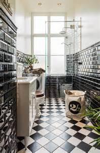bad in schwarz badezimmer schwarz weiß einrichten roomido