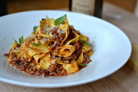 recette de cuisine italienne pâtes à la sauce bolognaise maison la véritable recette