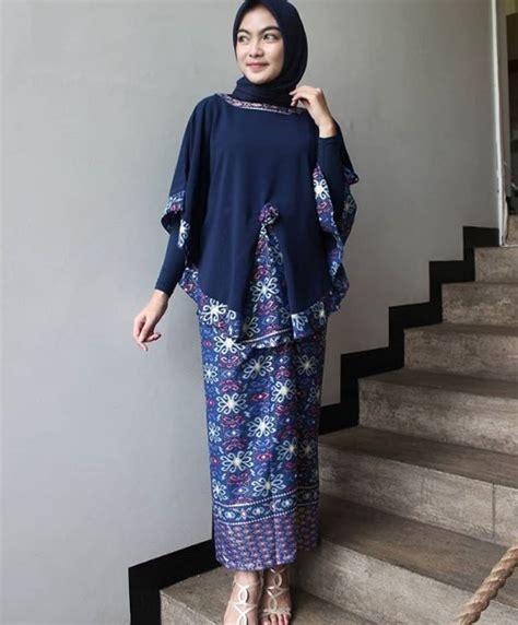 koleksi model baju gamis batik kombinasi kain polos