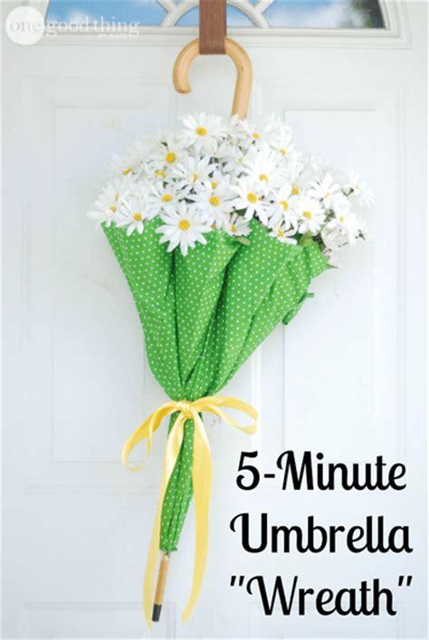diy  minute umbrella wreath  good   jillee