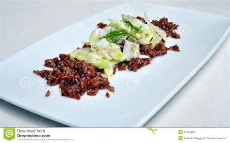 cuisine gastronomique salade de riz et de morue photo stock image 31240850