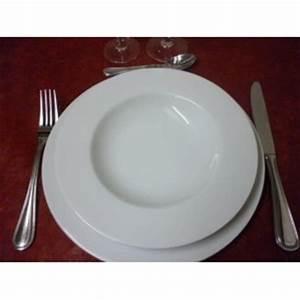 Assiette Creuse Blanche : assiette creuse a aile helene en porcelaine blanche ~ Teatrodelosmanantiales.com Idées de Décoration