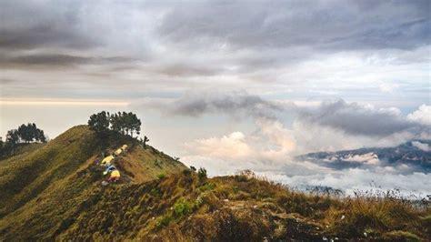 daftar  gunung  indonesia  jalur pendakiannya tutup